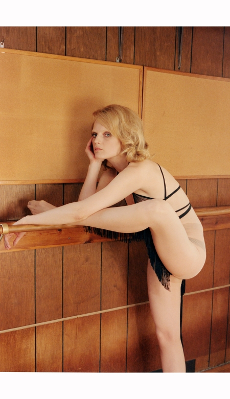 Guinevere van Seenus Muse Magazine Spring 2014 © Venetia Scott
