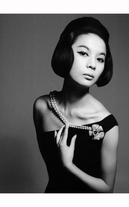 Hiroko Matsumoto, 'Chat noir' dress from Dior's (YSL) Autumn:Winter Collection 1960, August 1960 © Richard Avedon