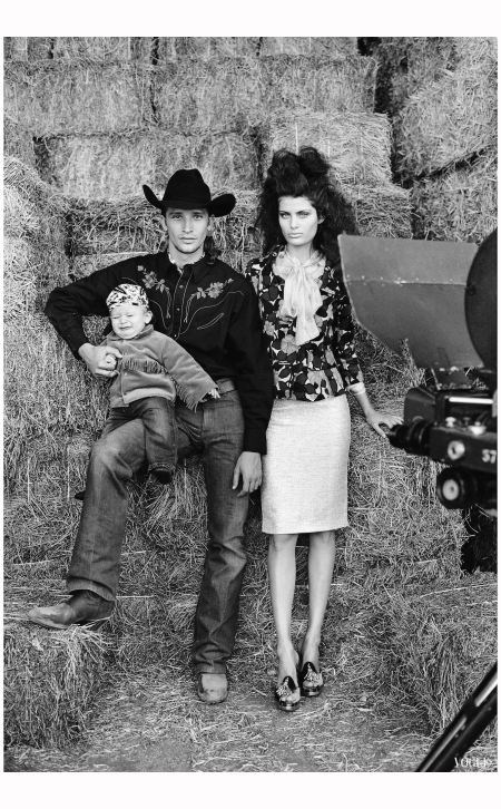 Isabeli Fontana, Alvaro Jacomossi and thеir son Zion The Misfits Vogue Feb 2004 Photo Arthur Elgort