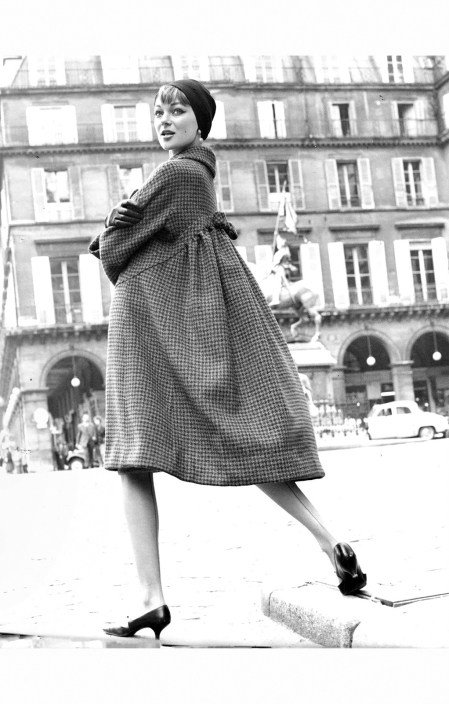 Ivy Nicholson in Paris 1960 © Kenneth Heilbron
