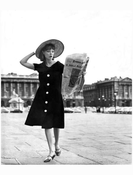 Ivy Nicholson in Paris - © Kenneth Heilbron