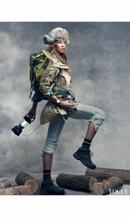 Karlie Kloss America the Beautiful Vogue, June 2011 © Craig Mc Dean a b