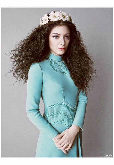 Lorde reagnong teen queen of pop-rock 2014 Photo Tom Munro