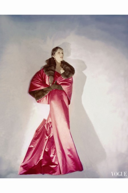 Mary Jane Russell Wearing Red Satin Evening Gown with Slim Front and Flowing Back December 1949 copia