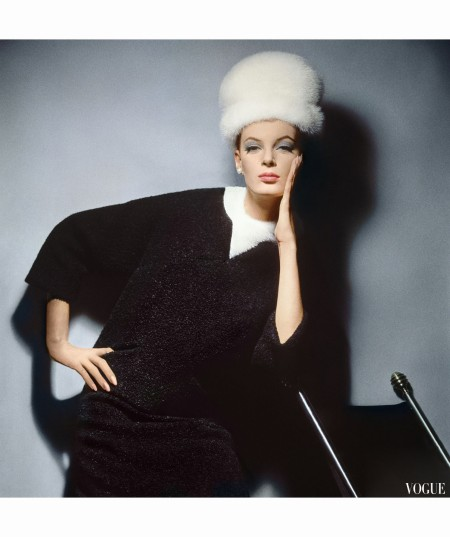 Model in Black Wool Bill Blass Dress with Neck of White Mink and Mink Hat 1962 copia
