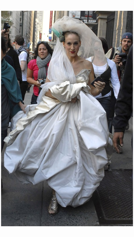 Sarah Jessica-Parker - Vivienne Westwood cult dresses October 2007 Kevin Mazur Getty