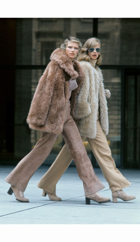 Susan Schoenberg and nd model walking in front of the seagrams building in new york city %22 Great Day Looks in the New York Collections - US Vogue September 1, 1972 © Kourken Pakchanian