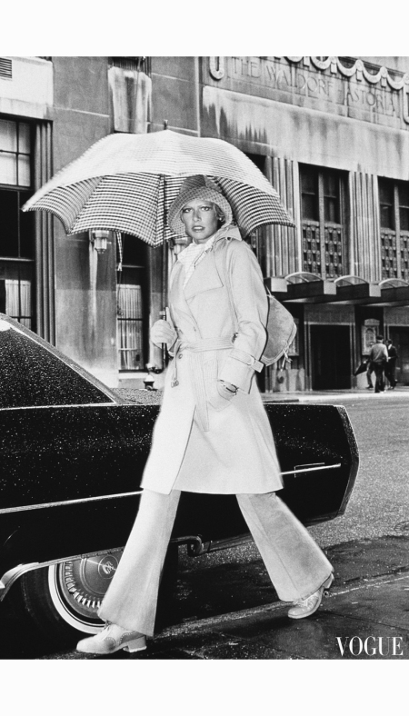 Susan Schoenberg Great Day Looks in the New York Collections - US Vogue September 1, 1972 © Kourken Pakchanian walking-with-an-umbrella-by-givenchy