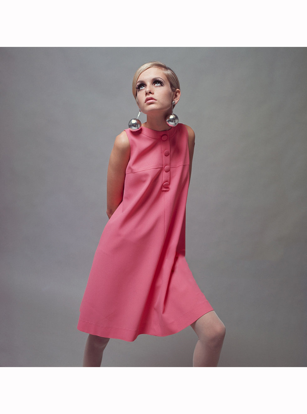 Mary Quant Pleasurephoto Jolie Clothing Patsy Mini Dress Twiggy Lesley Hornby Wearing A Pale Pink And Large Bauble