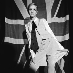 twiggy-womans-mirror-august-27-1966