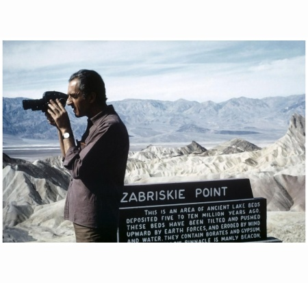 USA. California. 1968. Italian film director Michelangelo ANTONIONI during the making of %22Zabriskie Point.%22