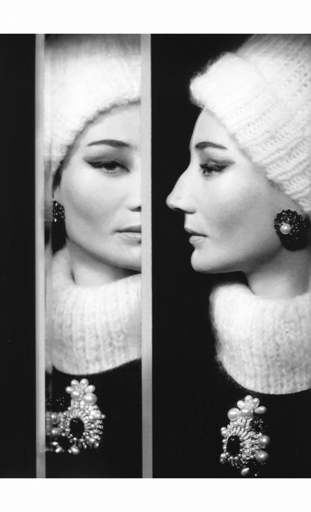 Vicomtesse Jacqueline de Ribes, Paris studio, July 1960 © Richard Avedon
