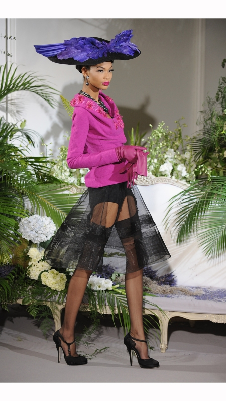 Chanel Iman modelling a Stephen Jones hat for the Christian Dior Haute Couture fashion show, Autumn-Winter 2009 © Pascal Le Segretain