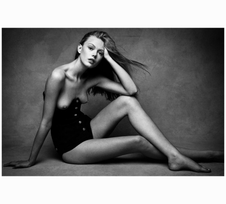 frida-gustavsson-by-patrick-and-victor-demarchelier-b