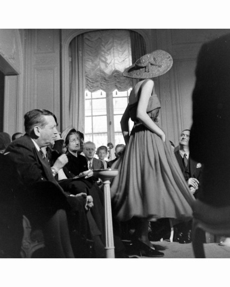 hat Paris Fashion %22 Dior%22 Aventure - Mar 1948 © Mark Kauffman b