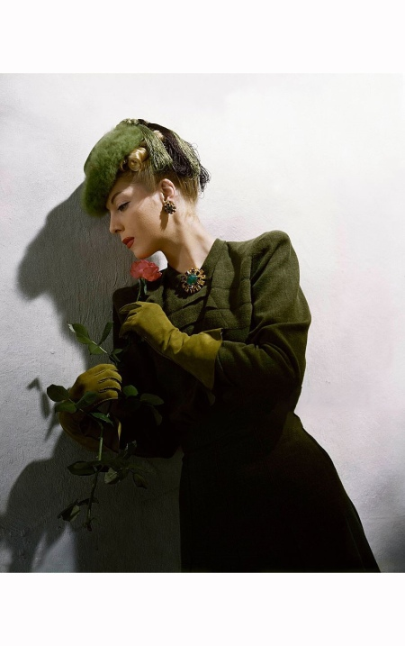 Helen Bennett wearing green felt beaver toque with fringe streamers Vogue 1939 © Toni Frissell