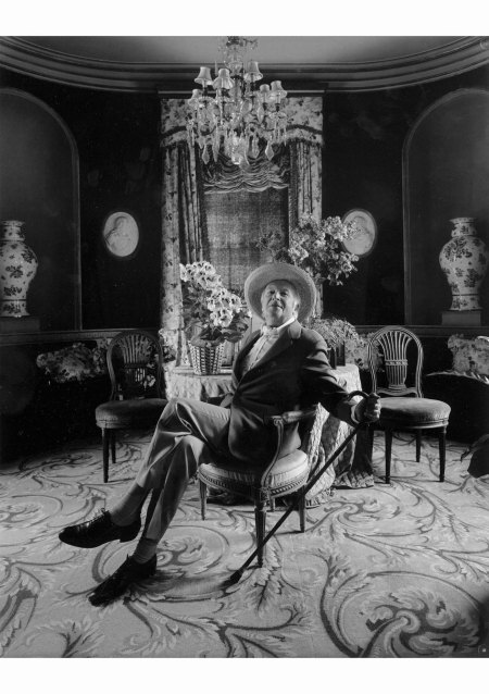 In the drawing room at Reddish House, Wiltshire, May 1978. Photograph by Arnold Newman