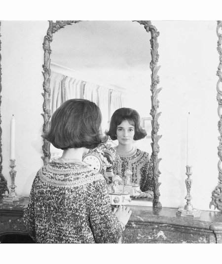 Lee Radziwill Mirror 1966 Vogue Cecil Beaton