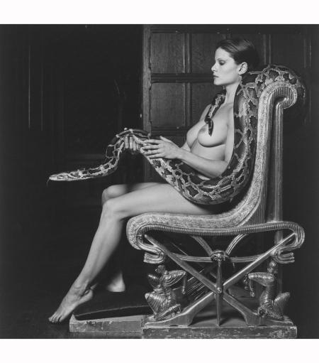 Lisa Lyon with snake 1982 © Robert Mapplethorpe