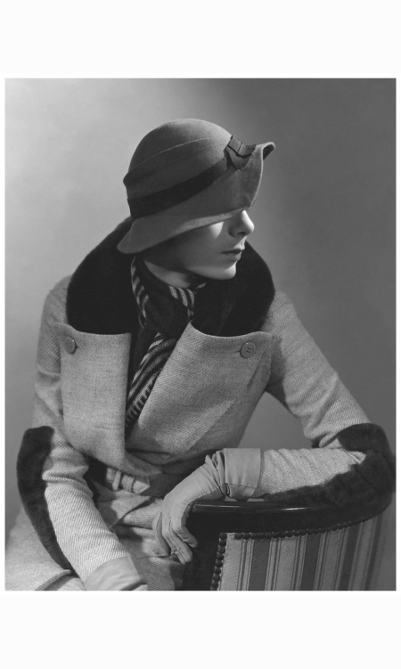 model-wearing-rose-descat-hat-and-beaver-trimmed-coat-and-scarf-both-by-lucien-lelong-1932-george-hoyningen-huene