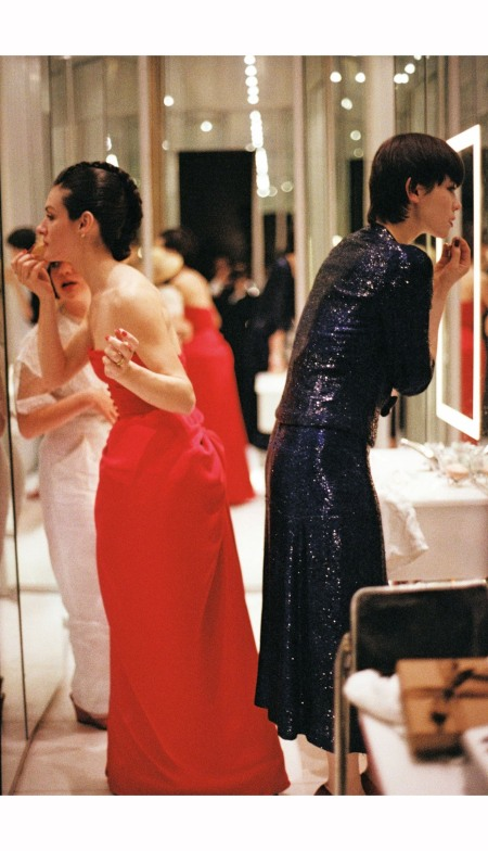 Paloma Picasso and Tina Chow after Paloma wedding dinner Paris 1978 © Peter Schlesinger