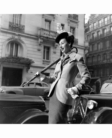 Paris Fashion b2 Mar 1948 © Mark Kauffman