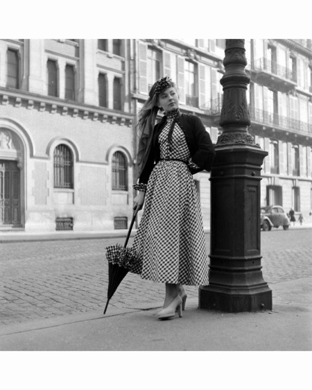 Paris Fashion Mar 1948 © Mark Kauffman g