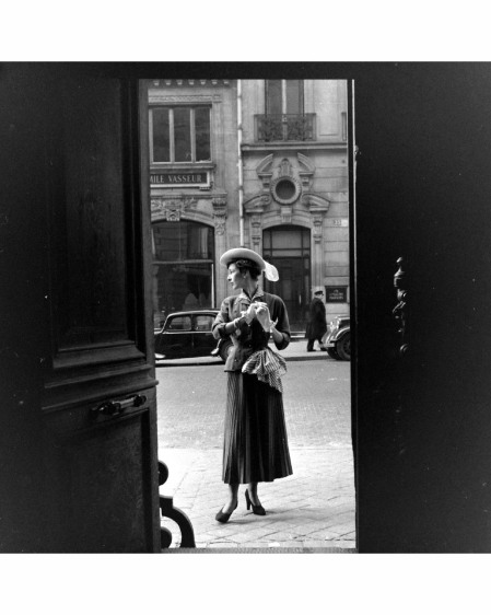 Paris Fashion Mar 1948 © Mark Kauffman l