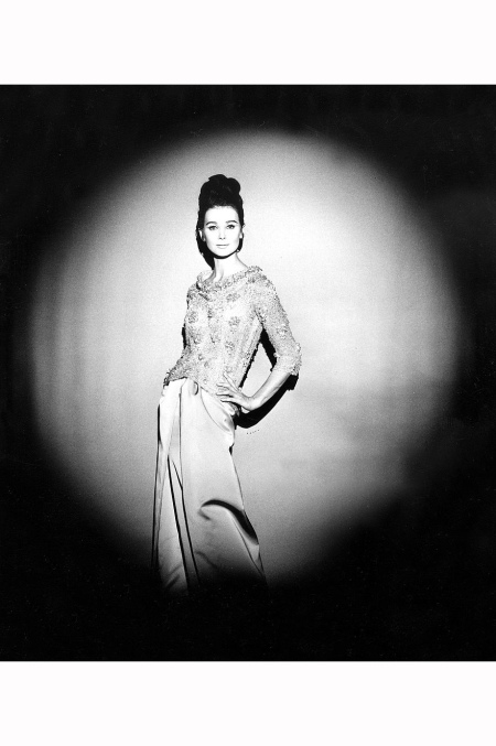 Pierre Cardin fashion for autumn - winter 1963 - 1964 : evening dress