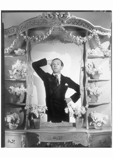 Self-portrait, circa 1928. By this time Beaton's style was lauded by friends like aristocrat and socialite Stephen Tennant, who asked his family tailor, Lesley & Roberts, to copy some of Beaton's suits