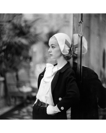 Silk-wool Spring suit with silk blouse by Ben Zuckerman, hat by Sally Victor 1957 © Gordon Parks
