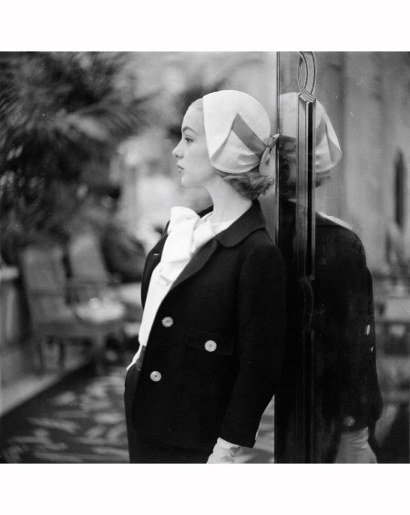Silk-wool Spring suit with silk blouse by Ben Zuckerman, hat by Sally Victor, 1957 © Gordon Parks