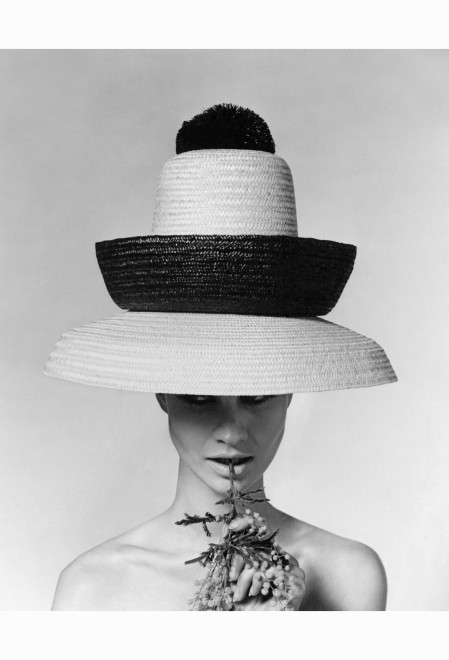 The three-tiered beach hat was created by Galitzine Vogue June 1963 © Karen Radkai