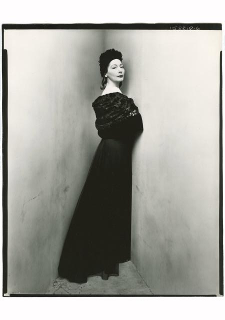 Valentina Nicholaevna Sanina Schlee, Fashion Designer, 1947 Corner portrait © Irving Penn