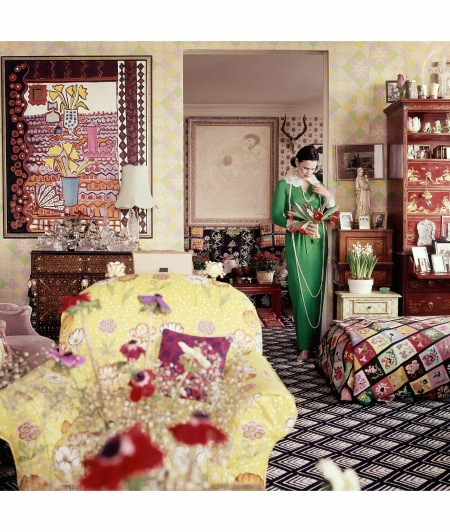 Gloria Vanderbilt living room Vogue June 1975 Horst P.Horst