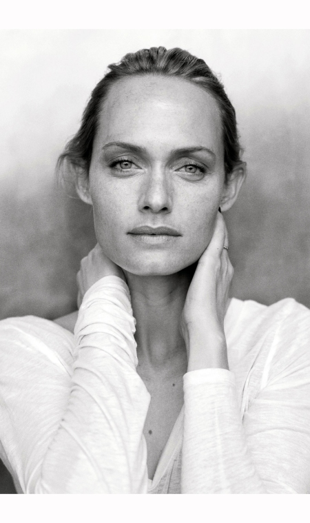 Amber September 2009 © Peter Lindbergh