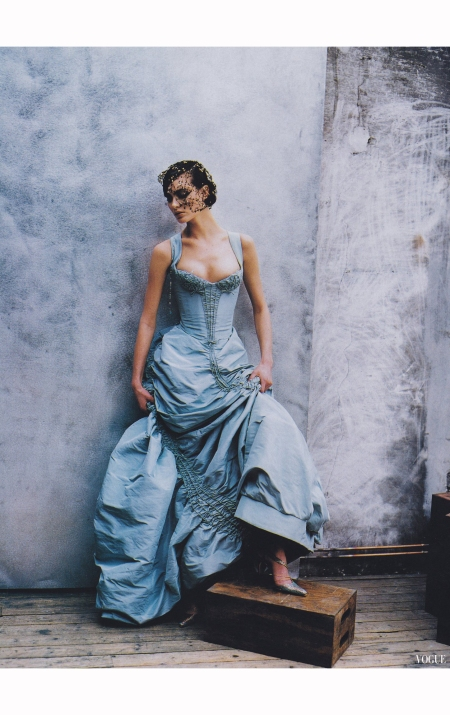 Shalom Harlow Vogue April 1997 © Peter Lindbergh -lacroix-archival