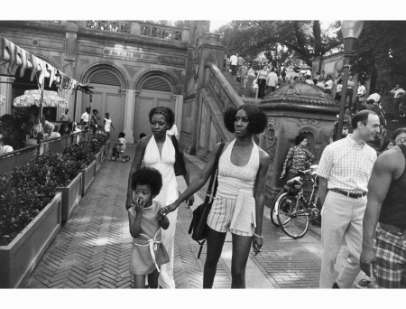 an-african-american-family-in-1970-by-garry-winogrand