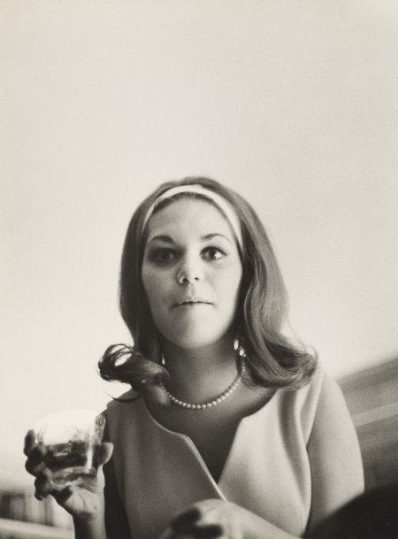 art_photo_1_pic_eggleston_william_woman_1960s_nyt_18aug2016-copia