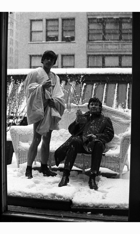 david-bailey-and-terence-donovan-on-the-roof-of-jerry-schatzbergs-new-york-studio-in-1964-jerry-schatzberg