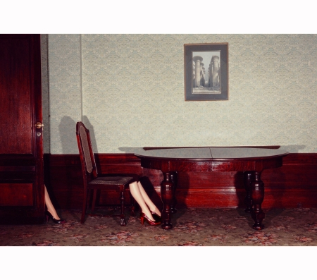 guy-bourdin-charles-jourdan-1979-d