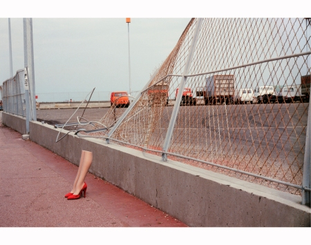 guy-bourdin-charles-jourdan-1979-f