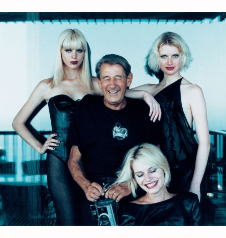 helmut-newton-with-models-mika-nina-annie-in-monte-carlo-august-1997-alice-springs%22-the-pseudonym-of-june-newton-wife-of-the-late-helmut-newton