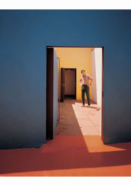mathias-goeritz-at-his-home-which-was-co-designed-with-ricardo-legorreta-cuernavaca-mexico-1973