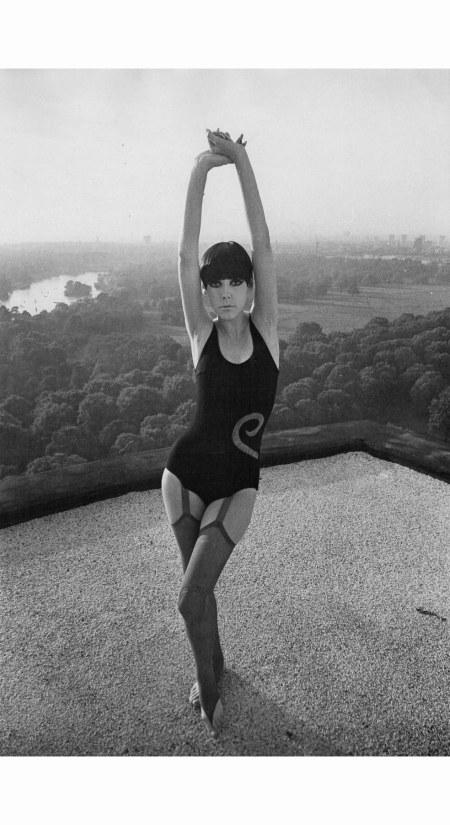 peggy-moffitt-rudy-gernreich-1965-william-claxton