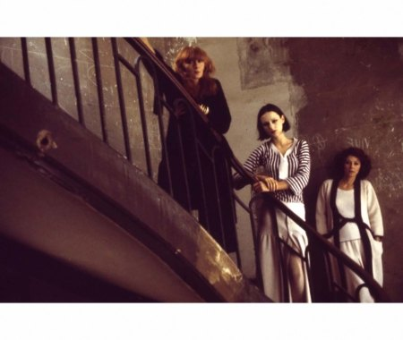 sonia-rykiel-with-friends-regine-deforge-and-isabelle-weingarten-vogue-feb-1975-deborah-turbeville