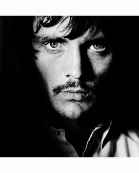 terence-stamp-british-vogue-july-1967-photographed-on-the-set-of-john-schlesingers-far-from-the-madding-crowd