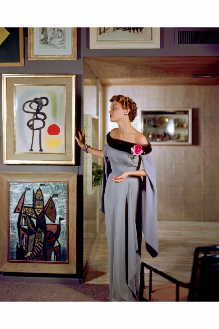 1950-jean-pachett-models-a-dress-by-netti-rosenstein-in-the-art-filled-apartment-of-raymond-loewy-image-by-genevieve-naylor