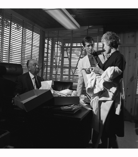 anthony-perkins-and-janet-leigh-visit-alfred-hitchcock-in-his-studio-office-in-advance-of-filming-psycho-1959