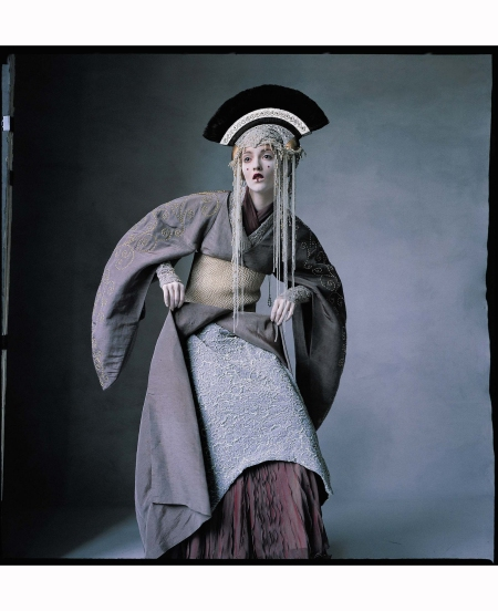 audrey-marnay-star-wars-couture-phyllis-posnick-us-vogue-april-1999-irving-penn-a